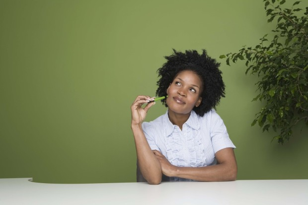 o-AFRICAN-AMERICAN-WOMAN-GREEN-BACKGROUND-facebook