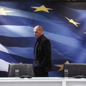 Yanis Varoufakis, Greece's incoming finance minister, arrives for the handover ceremony in Athens, Greece, on Wednesday, Jan. 28, 2015. Varoufakis is gearing up for negotiations with the euro area that have been on hold since December as Greece entered an election campaign. Photographer: Yorgos Karahalis/Bloomberg *** Yanis Varoufakis