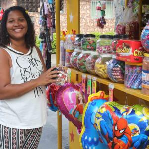 Osmarina Bezerra Feitosa Nobre (2230-4265 / 7726-4446), contemplada pelo programa de microcrédito da AgeRio em Manguinhos