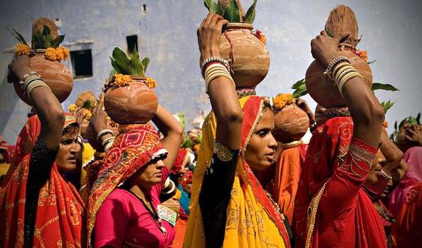 1 a 1 i mulheres na india e seus lindos saris