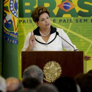 Brasilia - A presidenta Dilma Rousseff participa da Cerim™nia de anœncio de novas medidas do Plano Brasil  Maior e instala‹o dos Conselhos Setoriais de Competitividade